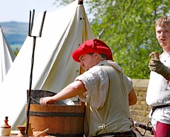 The Red Wyverns at Skipton Castle (grab a shot) Tags: canoneos5dmarkiv canon eos 5d britain uk england northyorkshire skipton skiptoncastle 2018 heritage medieval castle 1460 henryvi lordjohnclifford redwyvernsociety historical reenactment warsoftheroses hundredyearswar fifteenthcentury livinghistory war man soldier military men