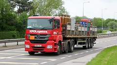 DE63 VKJ (Martin's Online Photography) Tags: mercedes axor truck wagon lorry vehicle freight haulage commercial transport flatbed a580 leigh lancashire nikon nikond7200