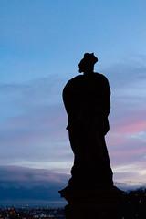Royal silhouette (andrea.romagnoli) Tags: città colori esterni orizzontale paesaggi praga silhouette statue tramonto repubblicaceca cz