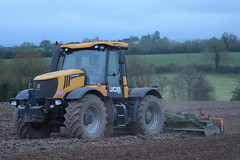 JCB Fastrac 3230 Tractor with an Amazone KG 5001-2 Power Harrow (Shane Casey CK25) Tags: jcb fastrac 3230 tractor an amazone power harrow yellow conna traktor trekker traktori tracteur trator ciągnik sow sowing set setting drill drilling tillage till tilling plant planting crop crops cereal cereals county cork ireland irish farm farmer farming agri agriculture contractor field ground soil dirt earth dust work working horse horsepower hp pull pulling machine machinery grow growing nikon d7200