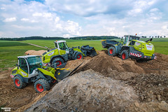 CLAAS Torion Expert Camp (martin_king.photo) Tags: springwork springwork2018 claastorionexpertcamp claastorion claas torion expert camp posing claastorion1914 brothers first today outdoor machine sky martin king photo agriculture machinery machines tschechische republik powerfull power dynastyphotography lukaskralphotocz agricultural great day czechrepublic fans work place tschechischerepublik martinkingphoto welovefarming working modern landwirtschaft colorful colors blue photogoraphy photographer canon love farming daily onwheels farm skyline worker field green clouds new