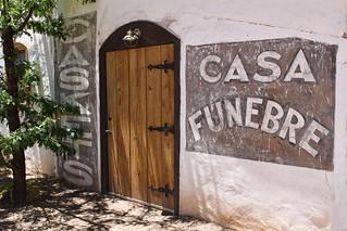 147/365 Casa Funebre
