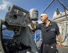 180526-N-CP113-0035 (NavyOutreach) Tags: ussantietam cg54 sonartechnician stg m38 25mm antisurfacegun freshwaterwashdown usnavy navy southchinasea
