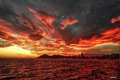 Fire spells (yuturjpd) Tags: atardecer sunset sony a5100 samyang12 clouds beach sea