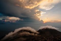 Mountain Sunset (2) (beeldmark) Tags: komagane natuur zonsondergang landschap mist bergen zonnig lucht japan nagano hemel miyadamura jpn kisokomagatake 木曽駒ケ岳 日本アルプス japanalps 長野県 山 berghut mountainhut kisosummithut 中央アルプス smcpentaxda1224mmf4edalif smcpda1224mmf40edalif 日本 beeldmark