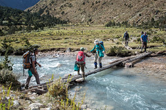 Crossing a river on the way to Robluthang - Gasa District - Snowman Trek - Bhutan (PascalBo) Tags: nikon d500 asie asia southasia asiedusud drukyul drukgyalkhap bhutan bhoutan འབྲུག་ཡུལ། འབྲུག་རྒྱལ་ཁབ་ snowman trek trekking hike hiking lunana himalaya himalayas jigmedorjinationalpark trekker gasa people river rivière outdoor outdoors pascalboegli