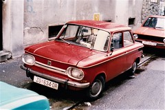 NSU 1000 Zagreb Croatie 1995a (mugicalin) Tags: nsu nsu1000 1000 germancar classiccar redcar redcars années90 1995 croatie croatia hrvatska zg hr 634 dr zagreb smallcar 10fav