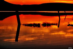 Hour of fire in the lagoon (yuturjpd) Tags: thegoldenhour atardecer sunset sony a5100 laguna landscape reflections
