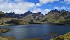 Lacustre de Atillos (Hidalgo Paul) Tags: montaña cielo agua hierba lago paisaje bosque naturaleza
