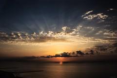 communion (*BegoñaCL) Tags: amanecer sol horizonte mar mediterráneo nubes cielo valencia begoñacl playa agua