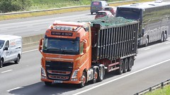 MR04 WAY (panmanstan) Tags: volvo fh wagon truck lorry commercial bulk freight recycling transport haulage vehicle m62 motorway sandholme yorkshire