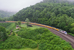 UP Yellow on Horseshoe Curve (Nolan Majcher) Tags: up 1943 ocs union pacific emd sd70ace horseshoe curve altoona pa pennsylvania ns norfolk southern pittsburgh line 066 prr pennsy middle division