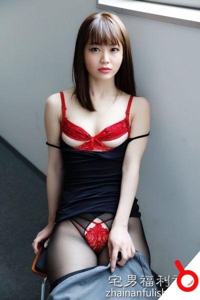 【日本寫真】平林あずみ撅臀曬水蜜桃美尻