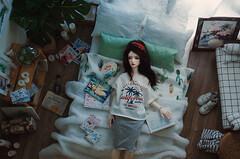 White room I (AzureFantoccini) Tags: bjd doll abjd balljointeddoll zaoll luv dollmore dollhouse dollroom room miniature diorama stuff stilllife house interior