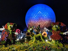 Spaceship Earth - Epcot (fisherbray) Tags: fisherbray usa unitedstates florida orangecounty orlando baylake disney waltdisneyworld wdw disneyworld epcot themepark google pixel2 spaceshipearth night internationalflowergardenfestival mickey topiary minnie pluto