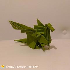 """Origami Challenge 43/365 """"Drago"""" Piegato da una base dell'uccellino che batte le ali blinzata. Modello creato nel 1997. ------------------------------------------- """"Dragon"""" Folded from a blinzed bird base. Model created in 1997.  #origami #cartapiegata #p (Nocciola_) Tags: dragon paperart cartapiegata createdandfolded papiroflexia paperfolding drago originaldesign danielacarboniorigami paper origami"""
