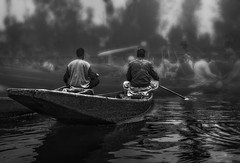 morning market (tchakladerphotography) Tags: lake dal kashmir boat light people person atmosphere mood tradition