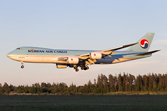 HL7623 Arlanda 2018 (martindjupenstrom) Tags: korean koreanaircargo b747 queenoftheskies jumbo jumbojet boeing boeing747 boeing7478 cargo freighter hl7623 arlanda sunset airliners jet plane