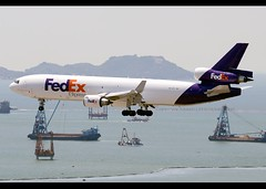 MD-11/F | FedEx Express | N572FE | HKG (Christian Junker | Photography) Tags: nikon nikkor d800 d800e dslr 70200mm aero plane aircraft mcdonnelldouglas md11f md11 m11 m1f fedexexpress fedex fx fdx fx9098 fdx9098 fedex9098 n572fe masaki cargo freighter heavy widebody trijet arrival landing 25r fog haze airline airport aviation planespotting 48755 613 48755613 572 hongkonginternationalairport cheklapkok vhhh hkg clk hkia hongkong sar china asia lantau terminal2 t2 skydeck christianjunker flickraward flickrtravelaward zensational hongkongphotos worldtrekker superflickers