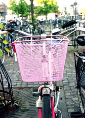 pink (bc50099) Tags: portra160 kodak pentax645n pentax4585mmsmcfazoom unicolorc41 lundsweden 6x45 mediumformat