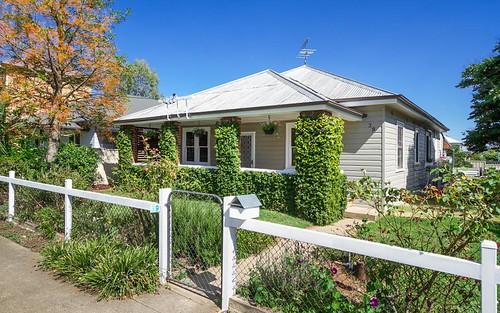 39 Gipps Street, Tamworth NSW