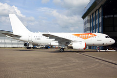 G-EZEN (globalpics images) Tags: gezen easyjet airbusa319 airbus stansted a319