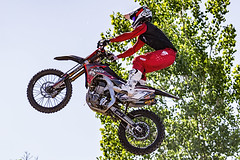 C58R2525 (Nick Kozub) Tags: is ii montreal f1 monster energy compound fmx show demo aerial acrobatic inverted insane trick crazy vertical airborne kissthesky whereisjohannes stunt defy gravity grand prix canada freestyle motocross canon eos 1d x ef usm l 20700 f28