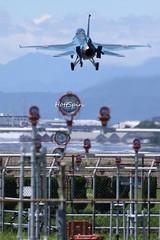 1057 (HottSpin) Tags: jasdf f2 f2a mhi mitsubishi japan rjna nagoyaairfield fighter landing 航空自衛隊 小牧基地 三菱重工 名古屋飛行場