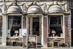 Bouchon d'en Face (Lцdо\/іс [Offline, on holiday]) Tags: restaurant maas maastricht netherlands travel trip citytrip street old architecture europe europa voyage city visit lцdоіс