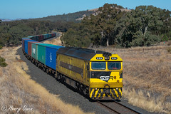 Winding to Wongarbon (Henry's Railway Gallery) Tags: g514 gclass emd diesel clyde ssr southernshorthaulrailroad containertrain freighttrain 8877 geurie wongarbon