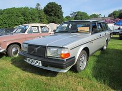 Volvo 240 GLT Estate H435GPA (Andrew 2.8i) Tags: classicsatscolton scoltonmanor haverfordwest pembrokeshire car cars classic classics show european swedish estate wagon 240glt 200 glt 240 volvo
