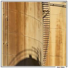Raffiné rouillé (imaGilaire) Tags: stairecase escalier cuve stockage strasbourg port ombre imagilaire 2018 lines lignes industriel