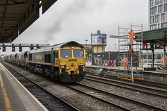 An electrifying view: Cardiff Central (Dai Lygad) Tags: 66513 locomotives engines trains railroads railways cardiffcentral wales uk southwalesmainline electrificationwork networkrail freight photos photographs pictures images photography