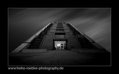 Pyramid! (H. Roebke) Tags: 2018 canon1635mmf28lisiii de canon5dmkiv building germany schwarzweiss gebäude sw docklands urban stadtansicht noiretblanc abstract blackandwhite blackwhite blacksky city lightroom architecture