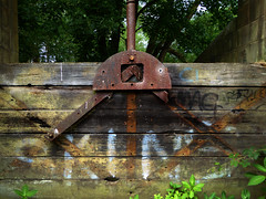 SKINS (steve marland) Tags: decay industrialdecay typography text sluice reddish rivertame skins words abandoned uk england