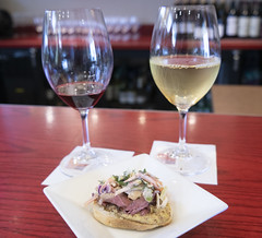 Last Rites -- a Pastrami Slider with Wines (Bill in DC) Tags: washingtondc airports iad washingtondullesinternationalairport dulles restaurants food wine vinovolo 2018
