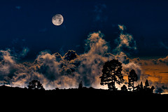 Mujer y luna  //  Woman and moon (Jadichu) Tags: aprobado