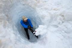 Scava che ti Passa (Roveclimb) Tags: alps alpi montagna orobie mountain escursionismo hiking arigna valdarigna ghiacciaiodellupo valtellina ponteinvaltellina sgl servizioglaciologicolombardo snow neve schnee dig digging hole buca scavo