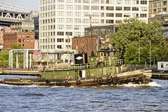r_180608154_beat0048_a (Mitch Waxman) Tags: brooklyn eastrivershoreline newyorkcity newyorkharbor tugboat newyork