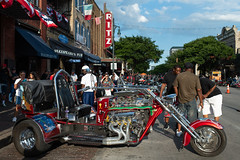 Trike on Sixth (-Dons) Tags: austin rotrally2018 texas unitedstates motorcycle ritz alamodrafthouseritz 6thstreet sixthstreet downtown rot rotrally republicoftexasbikerrally republicoftexasrally street