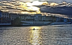Hands solo (john.methven) Tags: rowing sunset seville