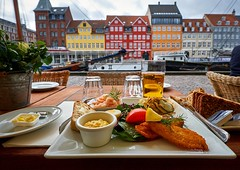 Danish breakfast, Nyhavn (Vest der ute) Tags: xt2 denmark breakfast food houses boat sailboat buildings fav25 fav200