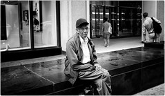 Street Stories (Steve Lundqvist) Tags: new york usa states united america manhattan stati uniti travel trip viaggio traveling bw urban city urbanscape ny nyc monochrome loner black white background broadway downtown depth street photography streets poverty pike place people portrait homeless candid ghetto art bruce gilden vivian maier world outside monocromo persone ritratto
