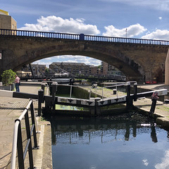 Commercial Road Lock, Regent's Canal (Tom Willett) Tags: canal walk regentscanal iphone square limehouse canarywharf longboat boat lock commercialroadlock towpath