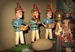 Portugal, uns van ben e outros mal (Franco D´Albao) Tags: francodalbao dalbao canonpowershotg10 músicos musicians figuras figures portugal artesanía handcraft cerámica