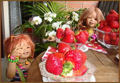 Der Tag fängt süß an ... (Kindergartenkinder 2018) Tags: annette himstedt dolls kindergartenkinder sanrike tivi erdbeeren