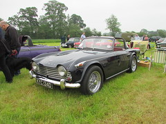 Triumph TR4A KYC134D (Andrew 2.8i) Tags: berkeley castle glos gloucestershire classic classics car cars show british sports sportscar open cabriolet covertible roadster tr tr4 tr4a triumph