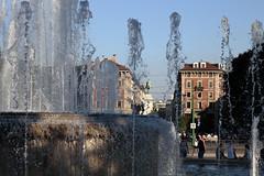 Attraverso l'acqua (Marcus Circus) Tags: milano castello fontana