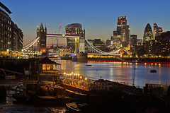 Waterworld (Bermondsey, London, United Kingdom) (AndreaPucci) Tags: towerbridge london uk cityoflondon thames night andreapucci bermondsey