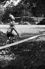 000131350019 (Harry Toumbos Photo) Tags: 35mm film ilford hp5 canon fd a1 f1 50mmf12l 35105mmf35 cycling cyclocross adelaide nationals